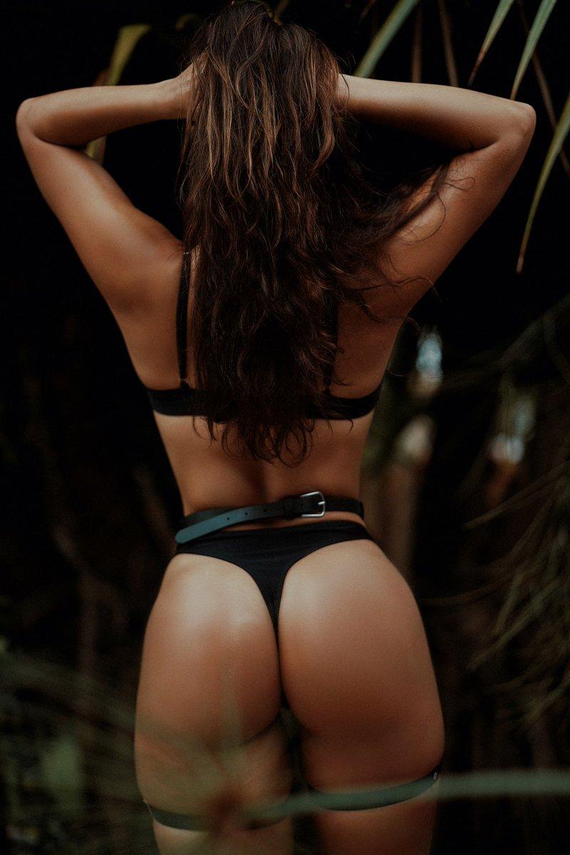 best-booty-photos-lena-the-plug